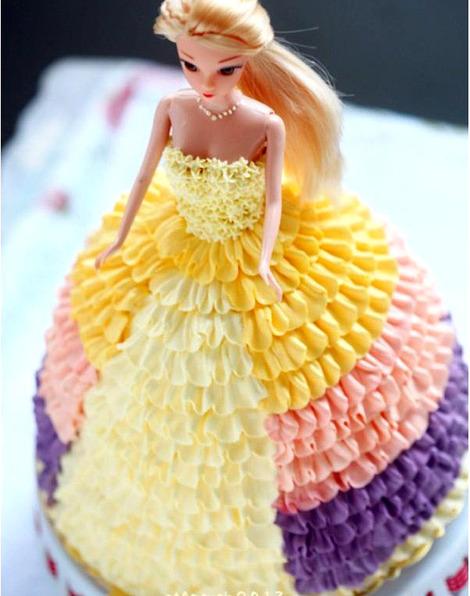 创意芭比娃娃蛋糕图片