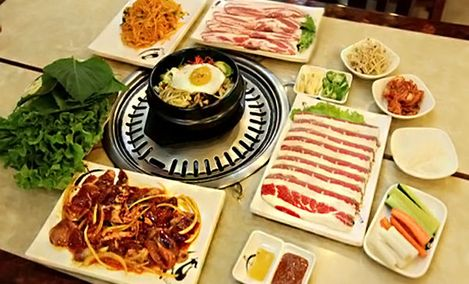 釜山炭火烤肉双人餐!环境清幽典雅,肉质新鲜,菜品丰富,风味独特,欢迎您的到来!