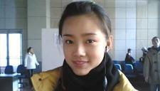 她18岁被赵本山一眼看中