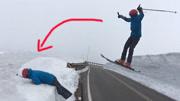 尴尬了!滑雪特技表演失败 撩妹不成反被摔