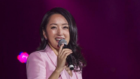 甜歌天后杨钰莹翻唱《爱的供养》比原唱好听!