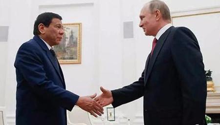菲总统见普京几度哽咽