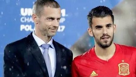官方:皇马签下塞巴略斯!将身披24号球衣