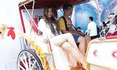 chinajoy2014大搜罗 宅男排队与长腿美眉拍照