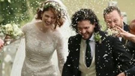 雪诺和女野人戏外结婚