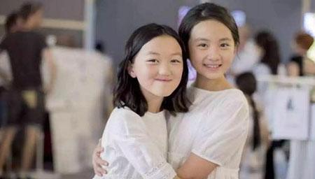 14岁李嫣晒自拍近照!