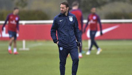 索斯盖特转正升任主教练 将出战2018世界杯!