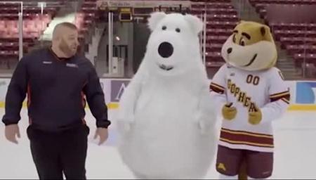 一条NG了无数次的冰上广告拍摄 心疼大白熊