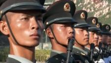 阅兵队伍中的父子兵