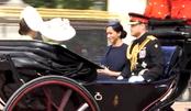 打破不和传闻!凯特与梅根及哈里王子同坐一辆马车,三人相视而笑