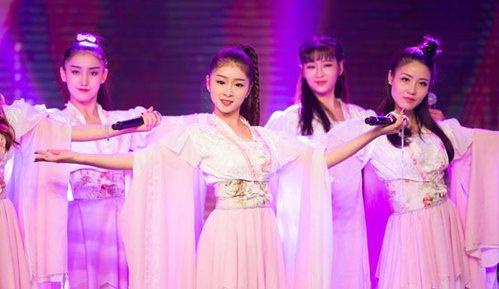 中国风萌系舞蹈惹人陶醉 萌少女日记刮起魔都风云