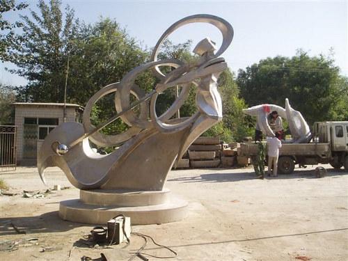 不锈钢雕塑的厚度图片