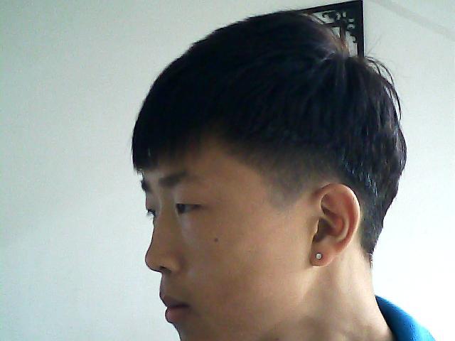 后面的发型想剪成这样,怎么跟理发师说?(别说拿着照片图片