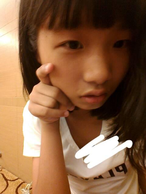 12岁美女qq号发黄的
