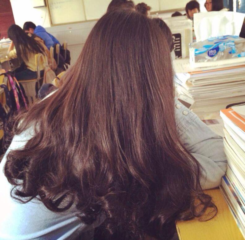 这种发型名字叫什么,现在是短刘海,如何剪成这种发型.图片