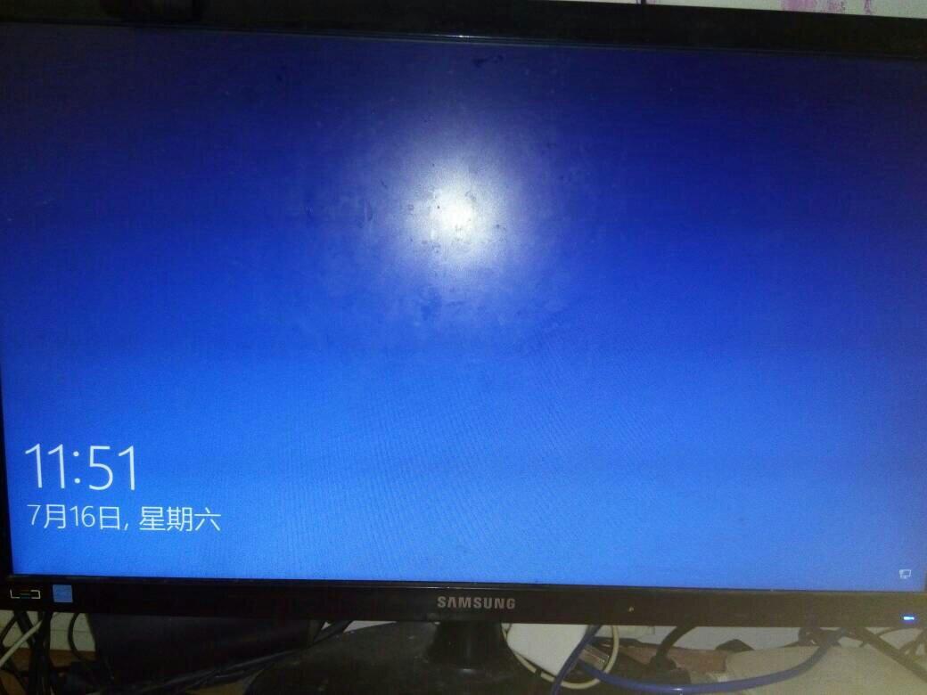 画面后长按电源键关机,短时间内重复三次左右可以进入winre (windows图片