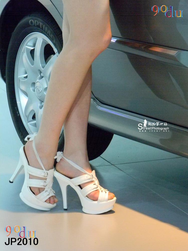 求高跟凉鞋美女的图片