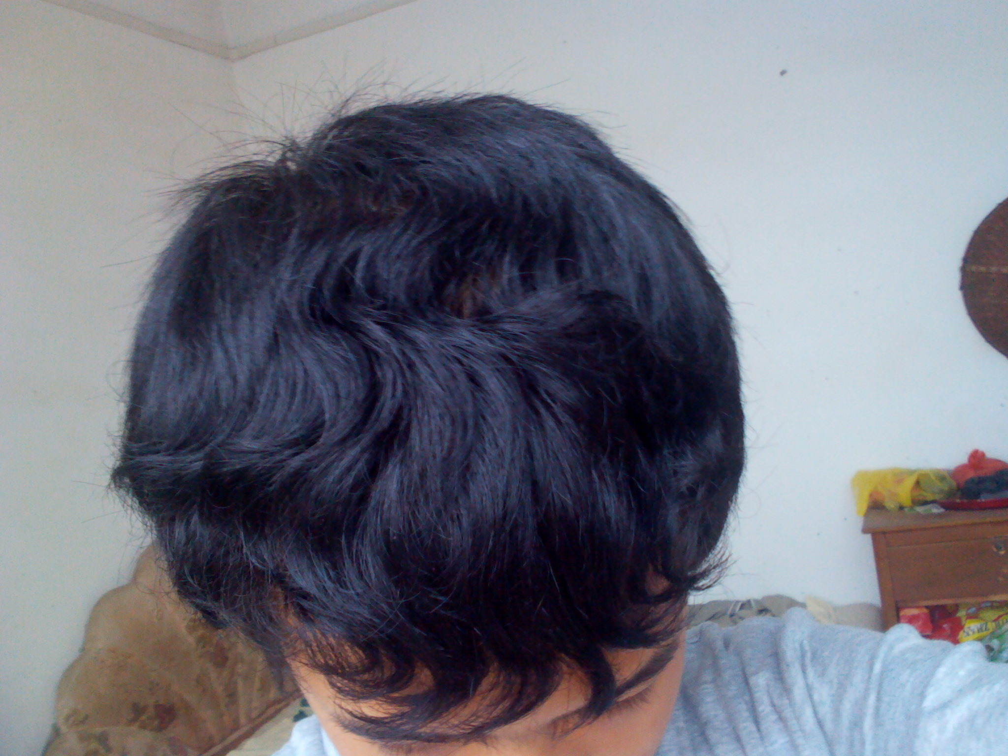 自然卷的头发,剪什么适合发型好?男 脸型圆,紧急!图片