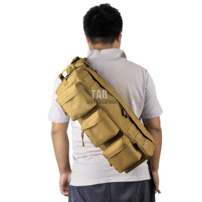 我见有人背过 但是不知道叫什么名字 是单肩背在身后并且是斜的 背包图片