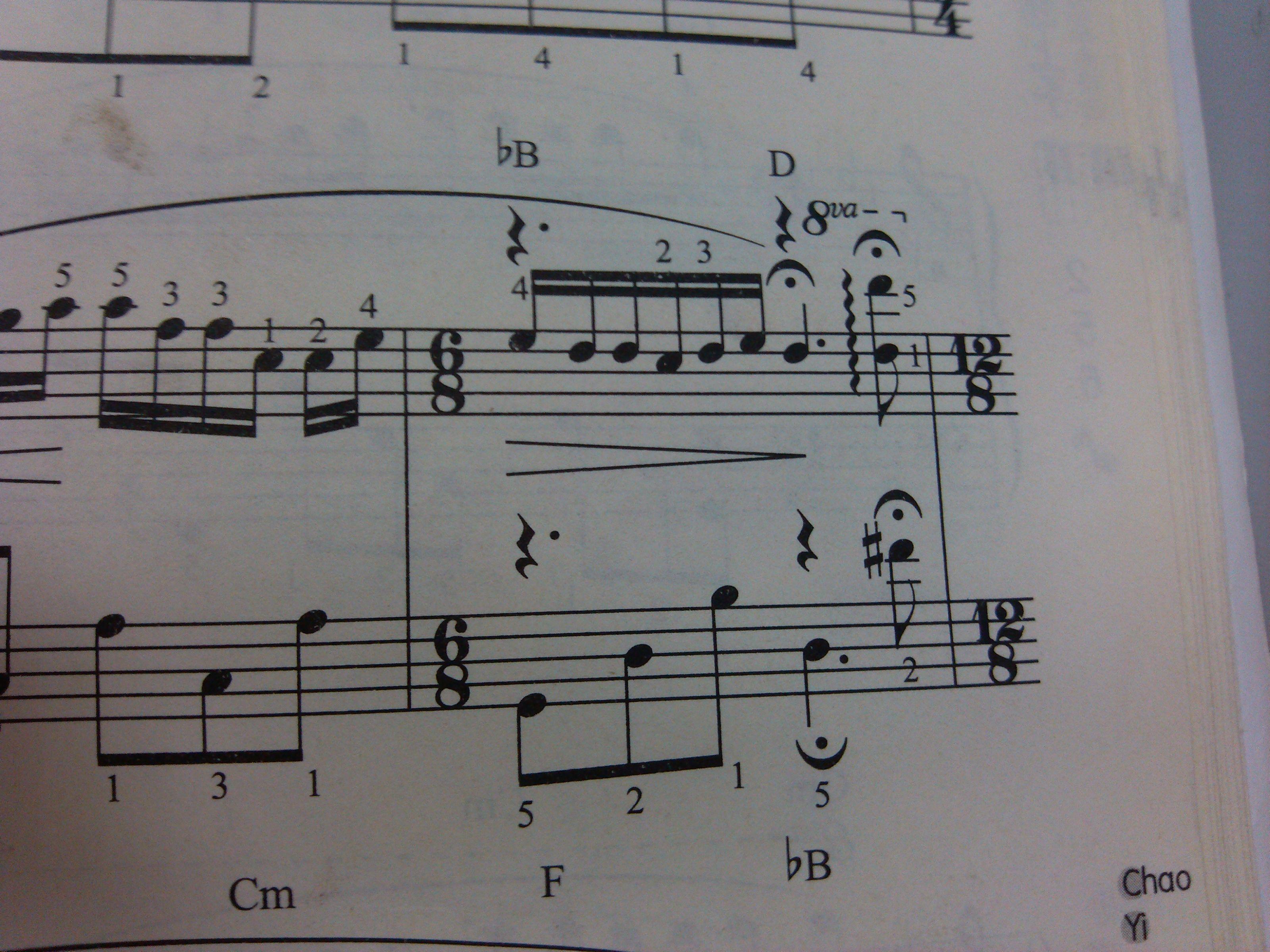 因为普通的钢琴曲分两个声部(左右手)图片
