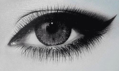 几副眼睛素描哪张好?