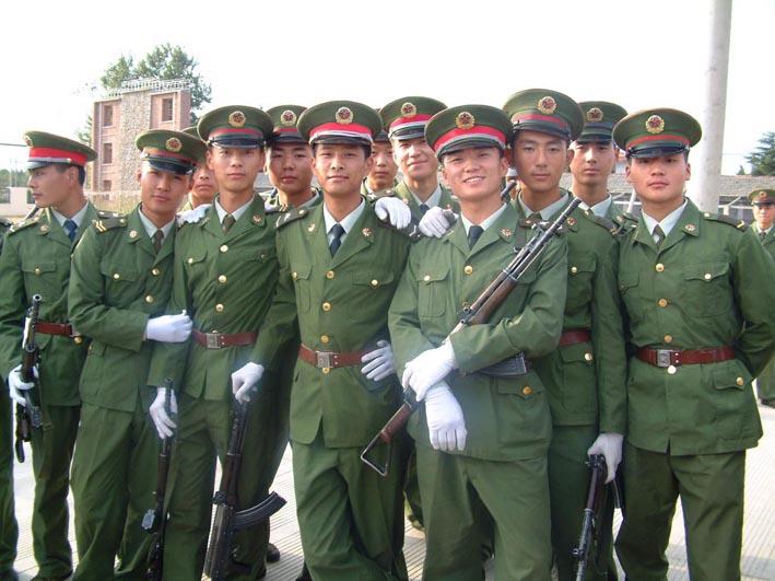 武警和陆军军装有什么不同