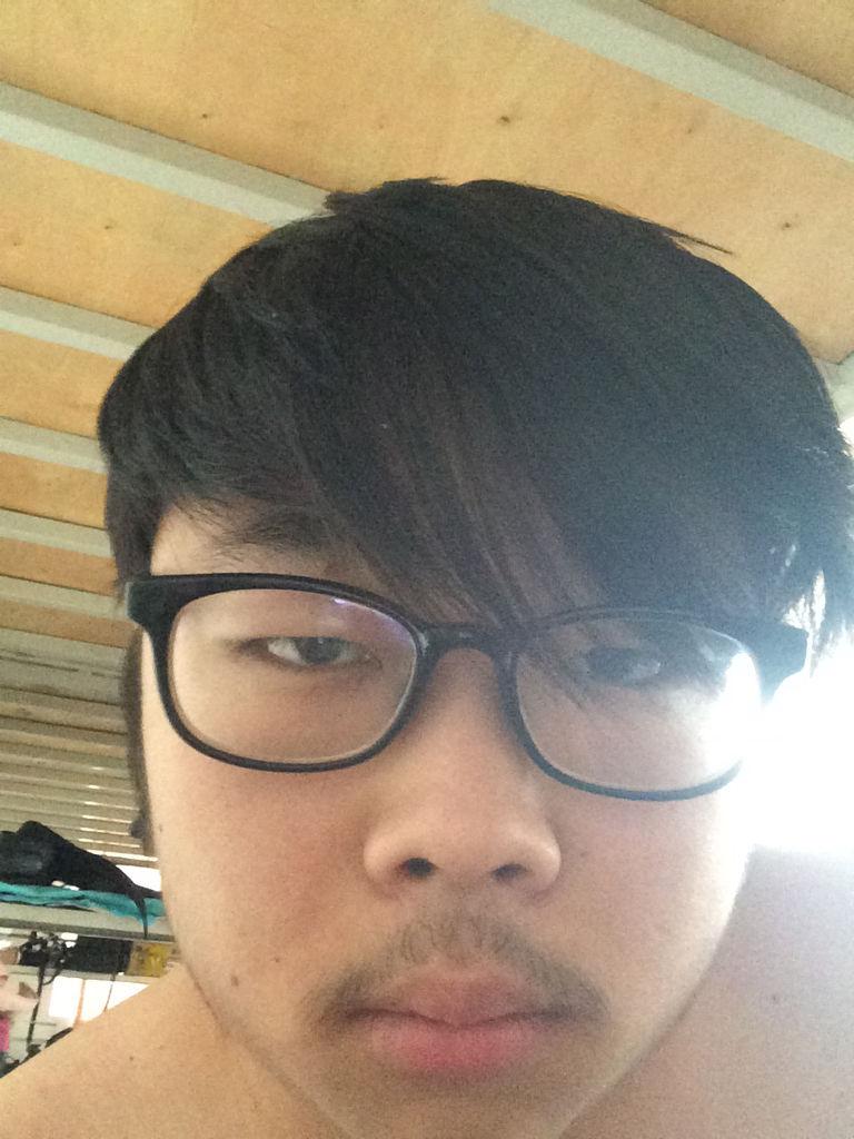 头发很乱,大家别介意,只是想让大家看下头发有多长图片
