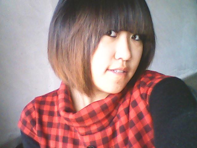 我想剪一个不等式 现在我是bobo头 因为头发薄 里面烫的小浪 想换发型图片