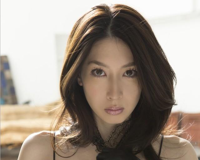 这位日本写真美女是谁啊?