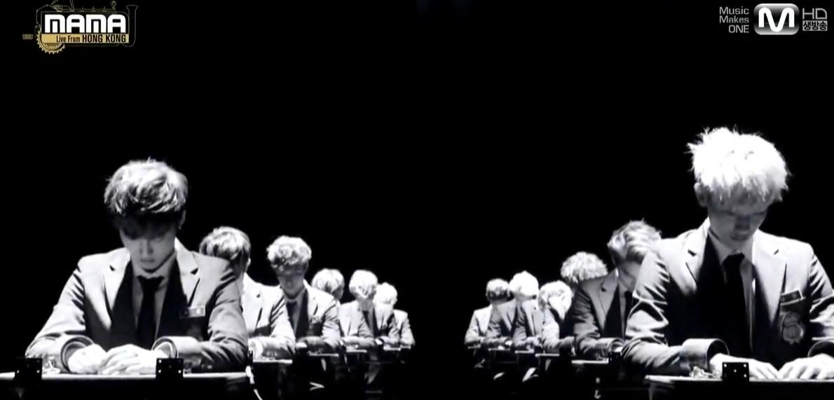 为什么mama的exo特别舞台vcr里只有11张桌子,张艺兴呢图片