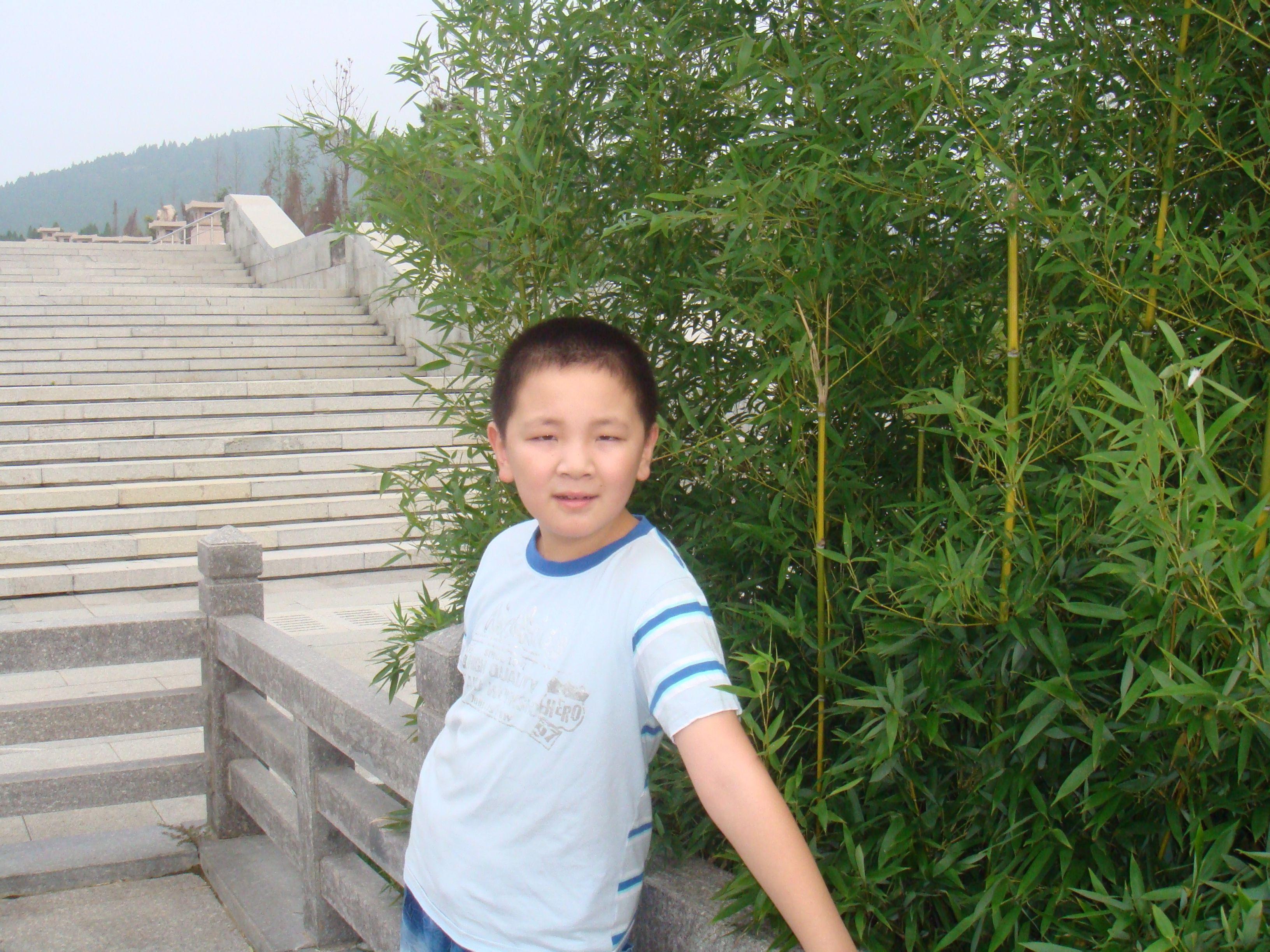 我14岁,才140厘米,(男生)怎样让自己长高点,好自卑啊图片