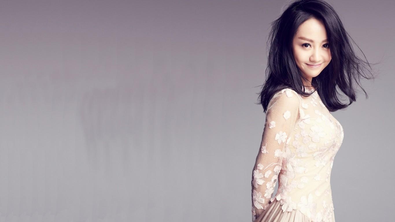 请问这位美女模特叫什么名字?提供正确的
