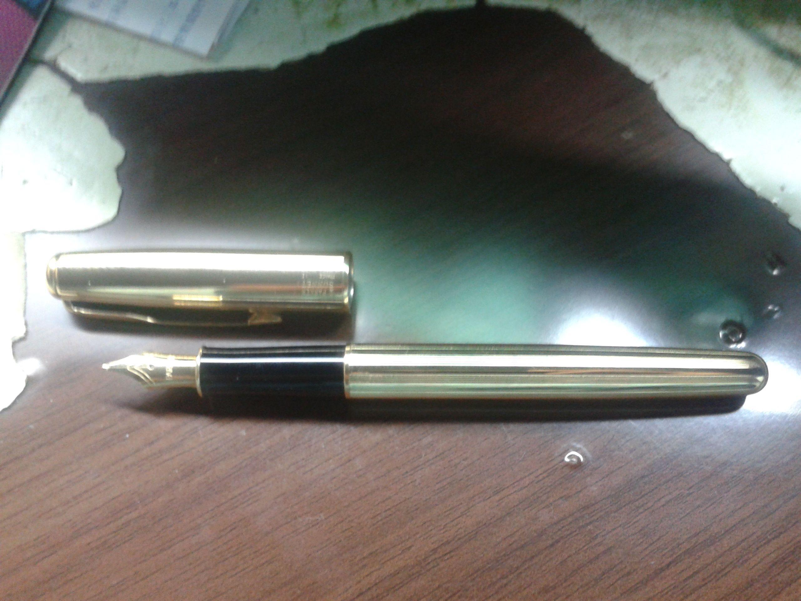 我有一只派克卓尔的钢笔 应该是老款的 请大家给看看是哪高清图片