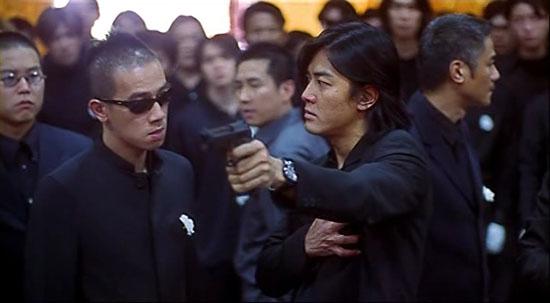 古惑仔胜者为王里陈浩南拿枪对山鸡拍胸口的图片谁有图片