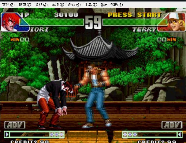 拳皇98um才有疯狂八神  用ps2模拟器才能玩  也可以自己找个疯八补丁