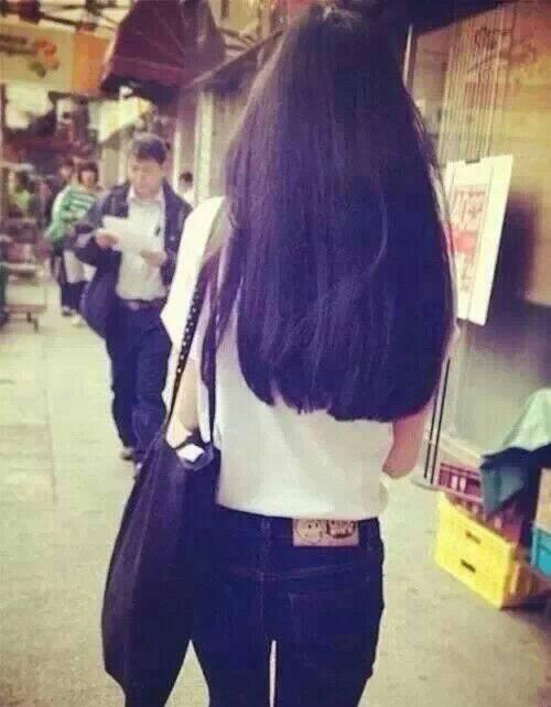 唯美女生长发背影图片