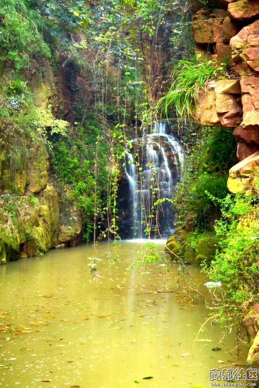 黄山的著名景点大峡谷
