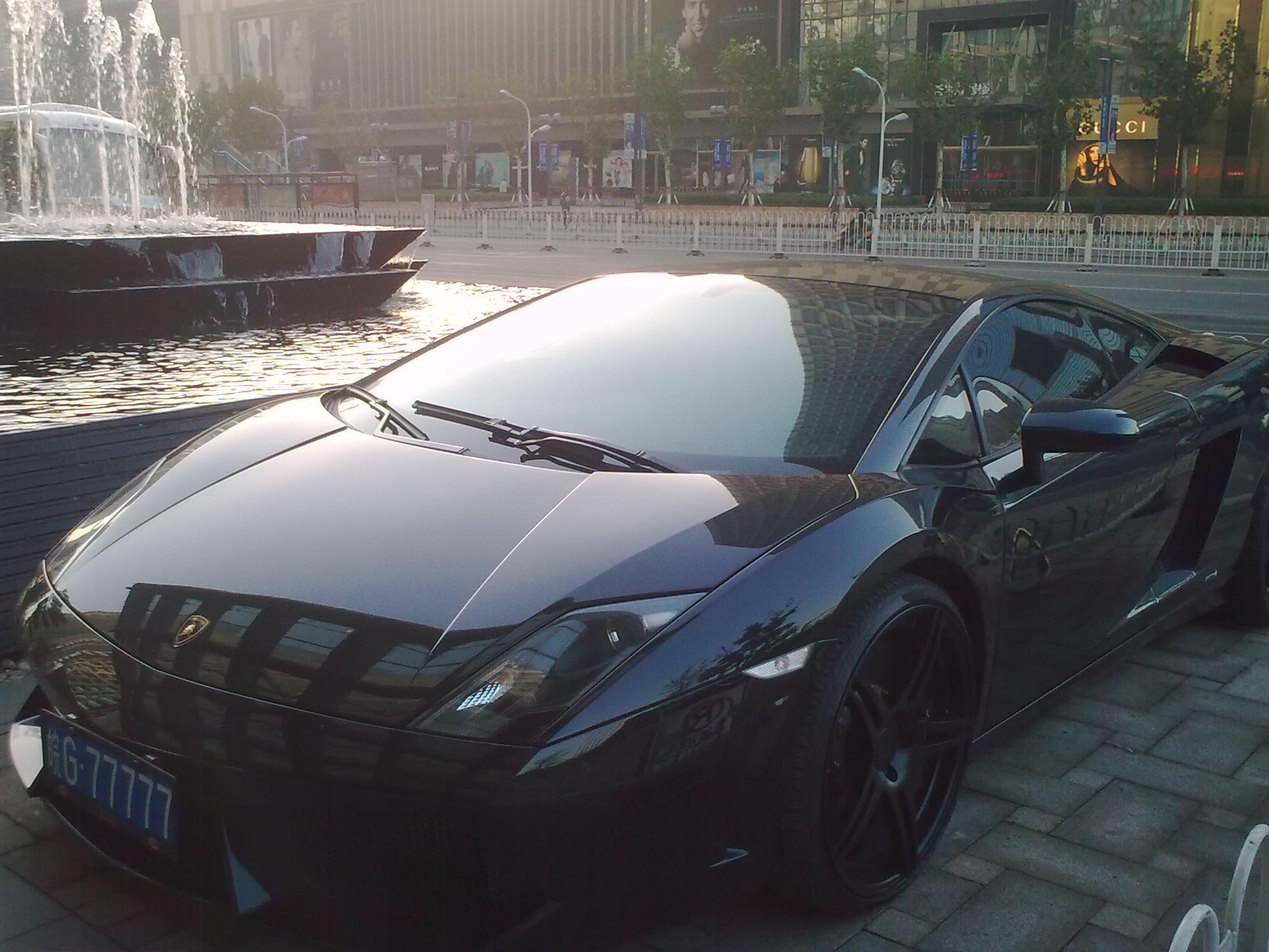 这是啥车 具体型号呵呵 我猜是兰博基尼但是不知型号和价钱高清图片