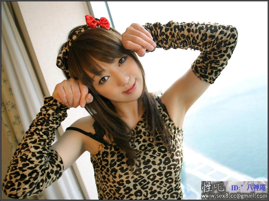 suzuharaemiri作品_请问这位美女是谁?