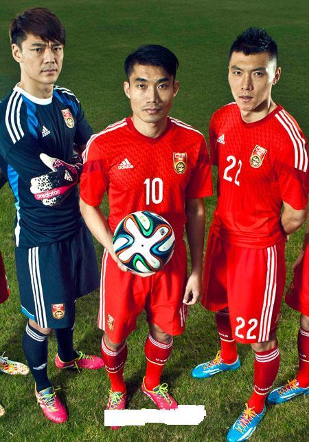 中国足球国家队服队标【相关词_ 中国足球国家队队服】图片
