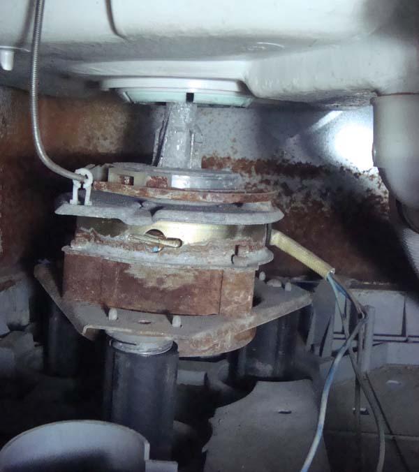洗衣机甩干_这个洗衣机的甩干电机怎么拆下来?