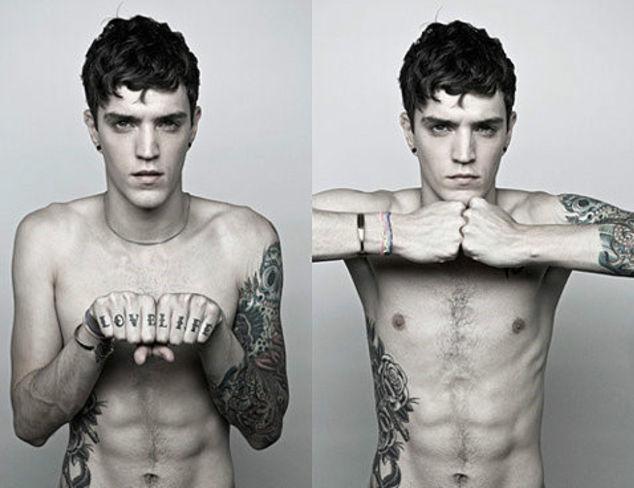 送上个性潮帅气男人纹身图片大全-欧美潮男个性纹身,欧美男演图片