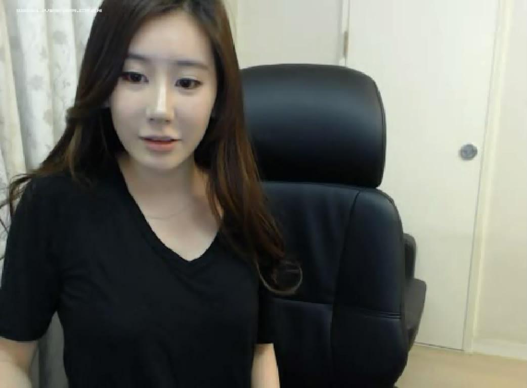这两个韩国女主播叫什么名字啊