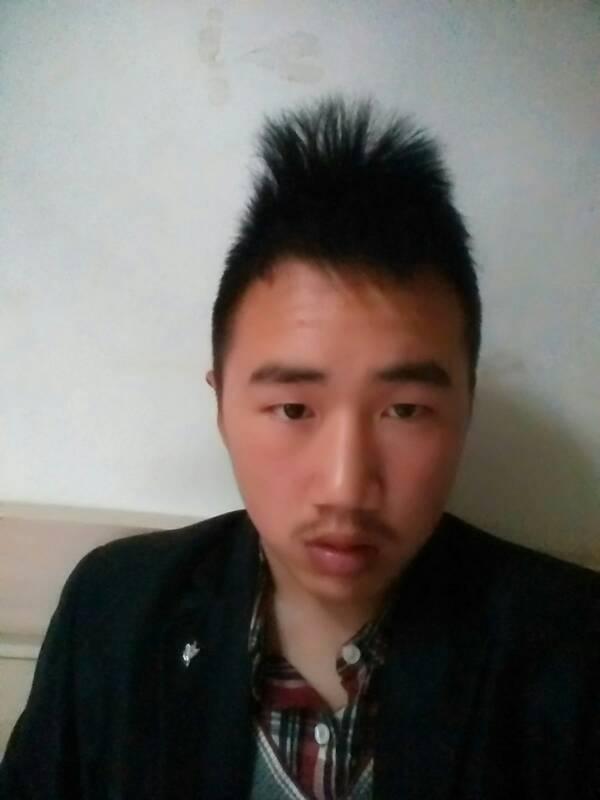 男的头发要多长才可以扎辫子-男生扎小辫子的发型图片