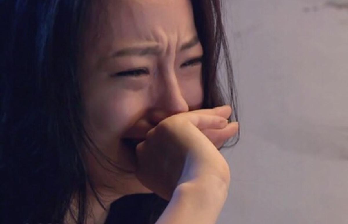 请问谁有这张女孩哭的高清大图