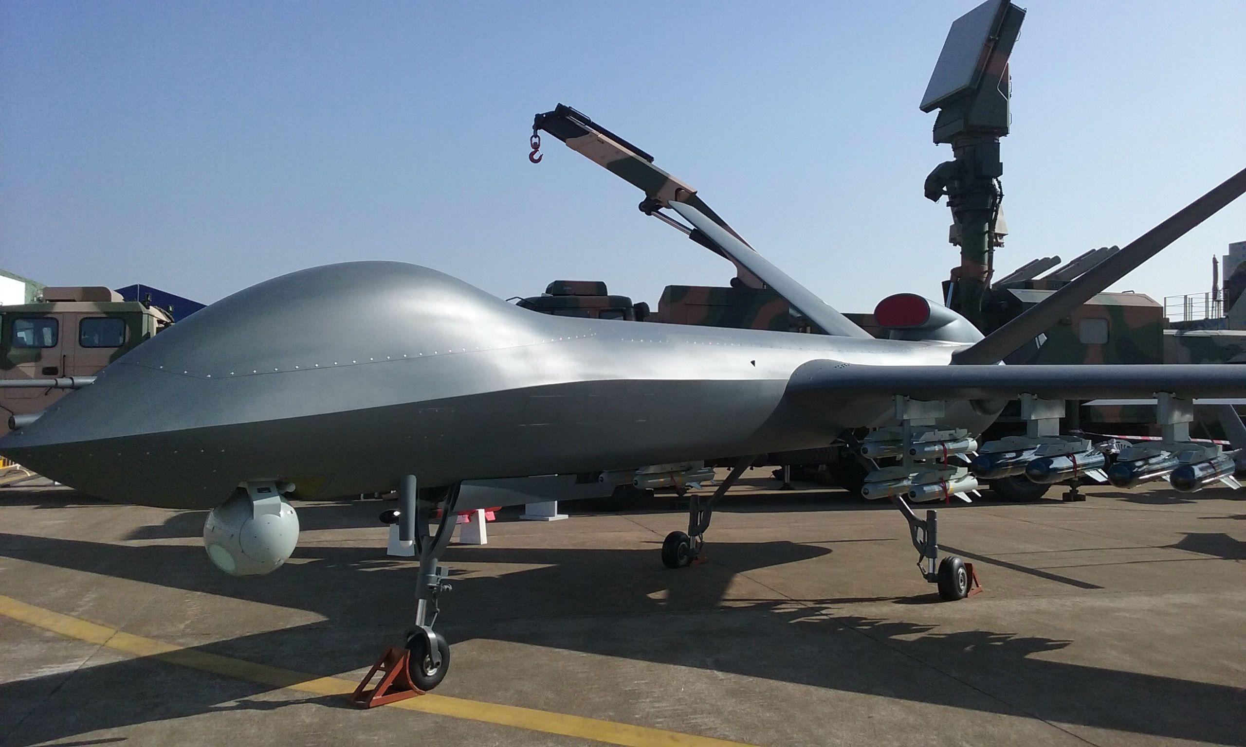 升级版彩虹4完成密集投弹试验,彩虹系列无人机在中国无人机中是何地位图片