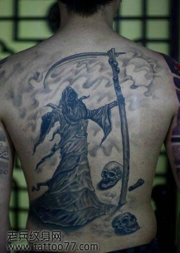 男的背部纹龙(7)