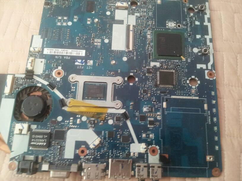三星r467主板问题.现在可以开机,但是一进去系统桌面就断电.