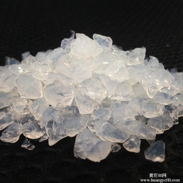 水晶猫砂和普通猫砂