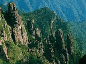 神农顶风景区位于哪里